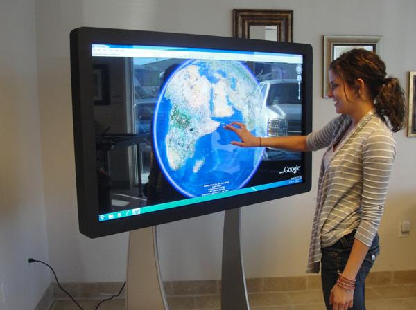 LCD Screen Setup At An Expo